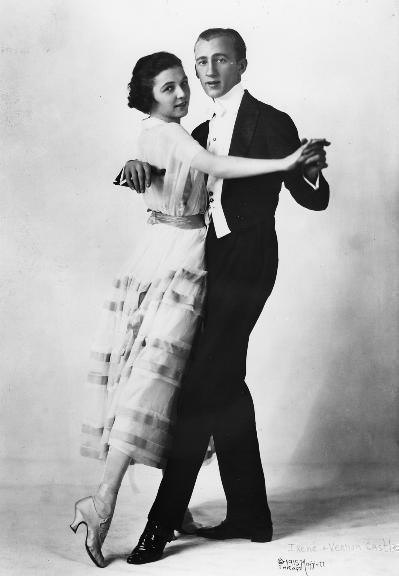 White tie and a tuxedo were standard evening wear for the 1920s man.