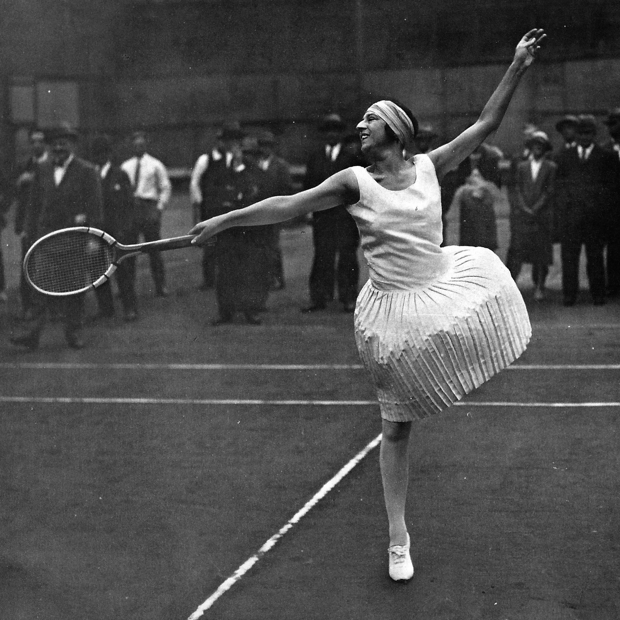 Wimbledon – the Frenchy with the short skirt & the superstar